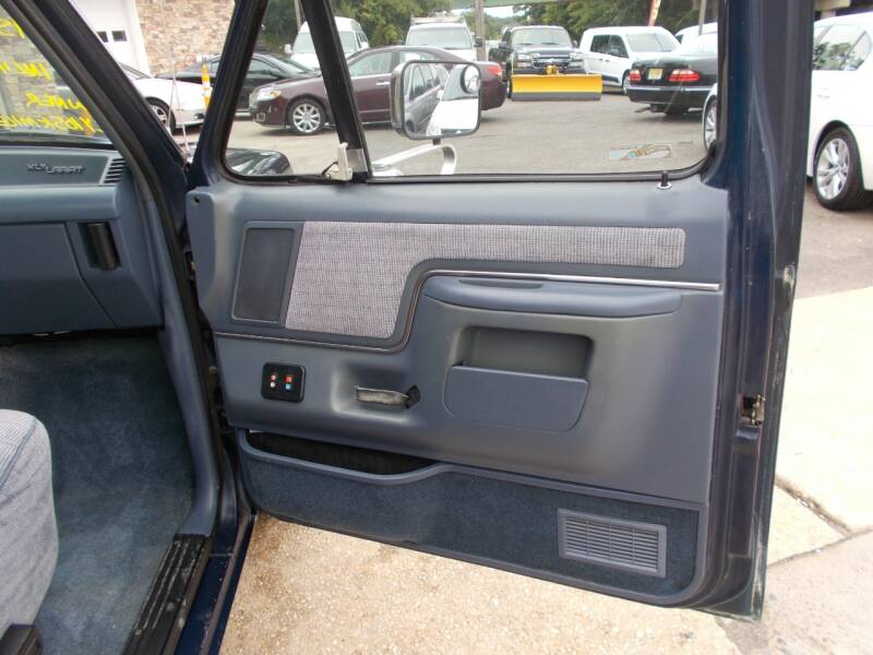 1991 Ford F-150 2dr XLT Lariat Standard Cab LB - Keyport NJ
