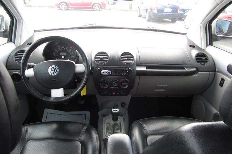 2000 Volkswagen New Beetle 2dr GLX 1.8T Turbo Hatchback - Stanwood WA