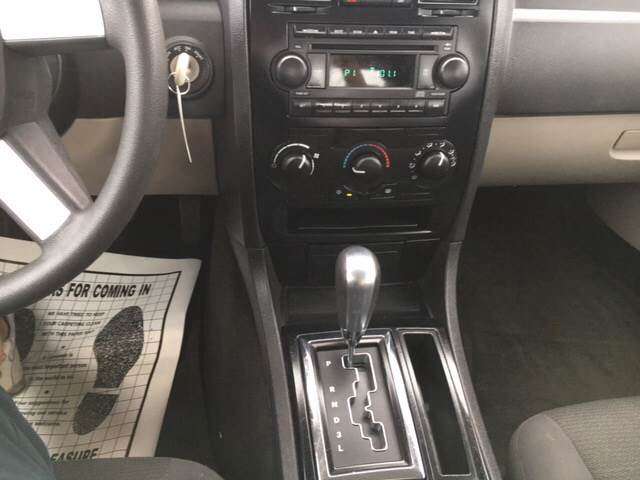 2005 Chrysler 300 for sale at Clarksville Auto Sales in Clarksville TN