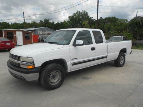 2000 Chevrolet Silverado 2500 for sale at CARDEPOT in Fort Worth TX