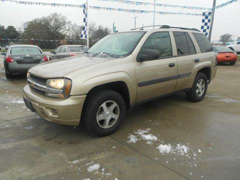 2005 Chevrolet TrailBlazer for sale at CARDEPOT in Fort Worth TX