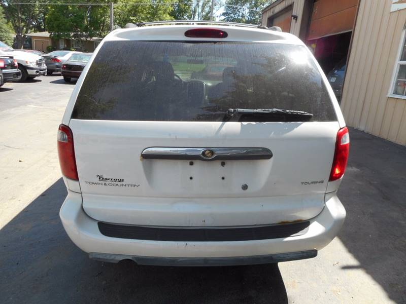 2006 Chrysler Town and Country Touring 4dr Extended Mini-Van - Adel IA