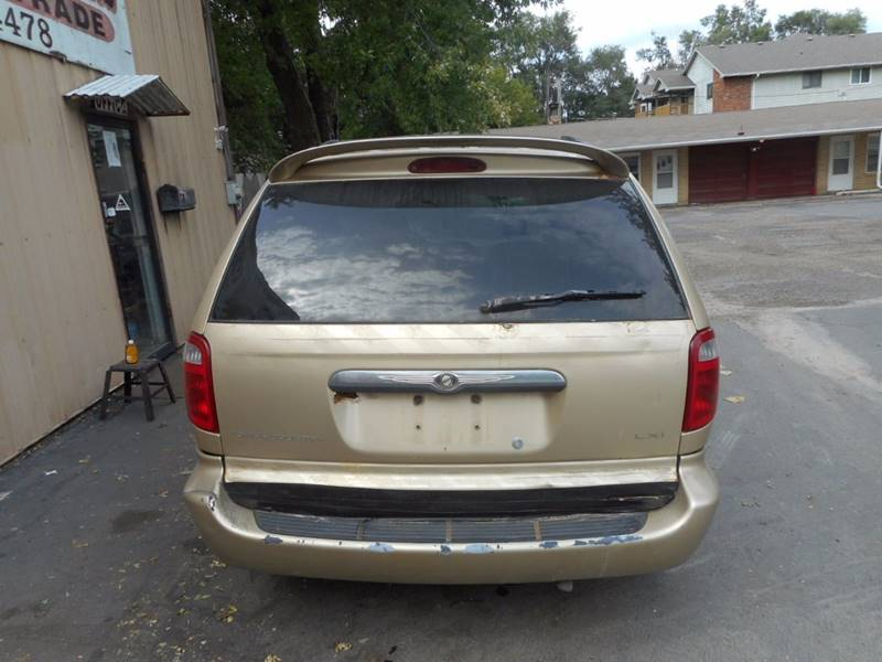 2001 Chrysler Town and Country LXi 4dr Extended Mini-Van - Adel IA