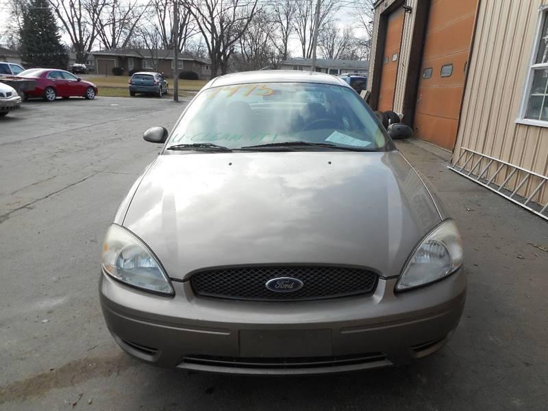 2005 Ford Taurus SEL 4dr Sedan - Adel IA