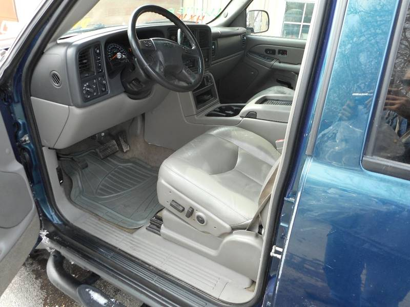 2005 Chevrolet Suburban 1500 Z71 4WD 4dr SUV - Adel IA
