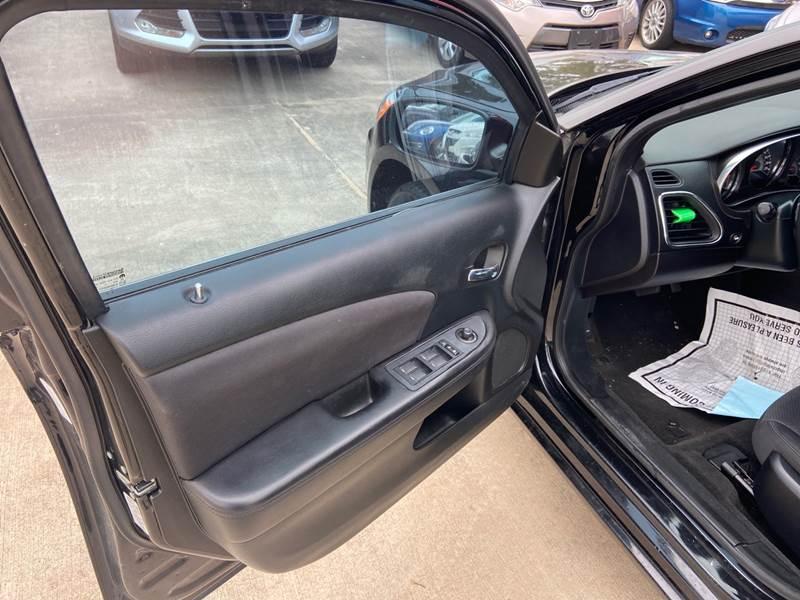 2014 Chrysler 200 Touring 4dr Sedan - Spring TX