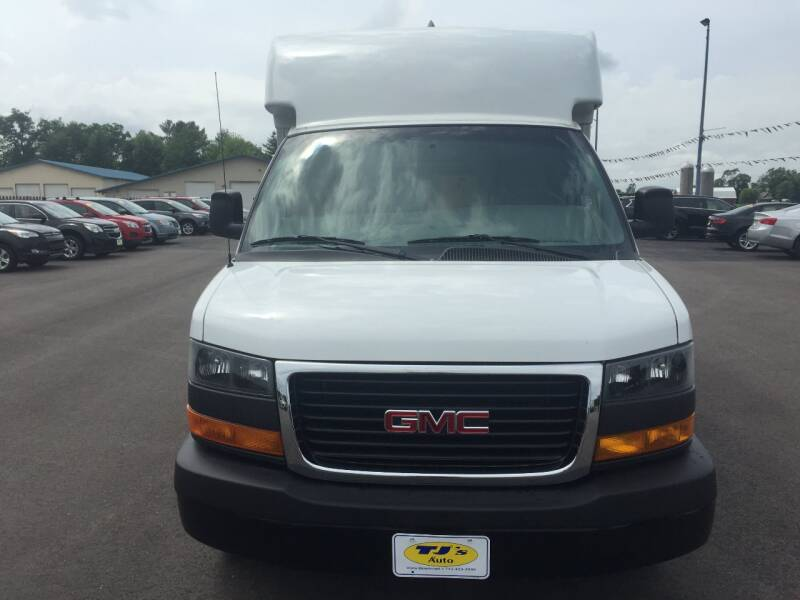 2018 GMC Savana Cutaway 3500 2dr Commercial/Cutaway/Chassis 139 in. WB - Wisconsin Rapids WI