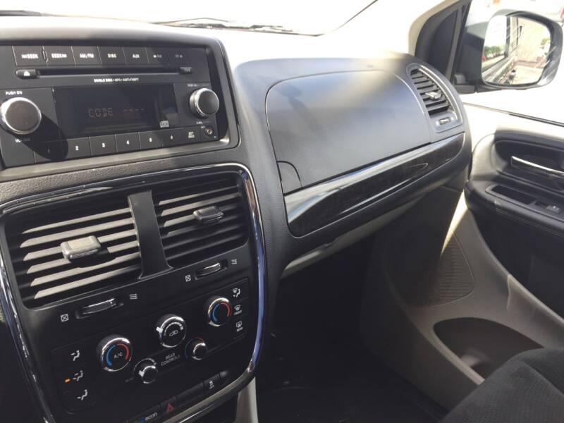 2016 Dodge Grand Caravan SXT 4dr Mini-Van - Wisconsin Rapids WI