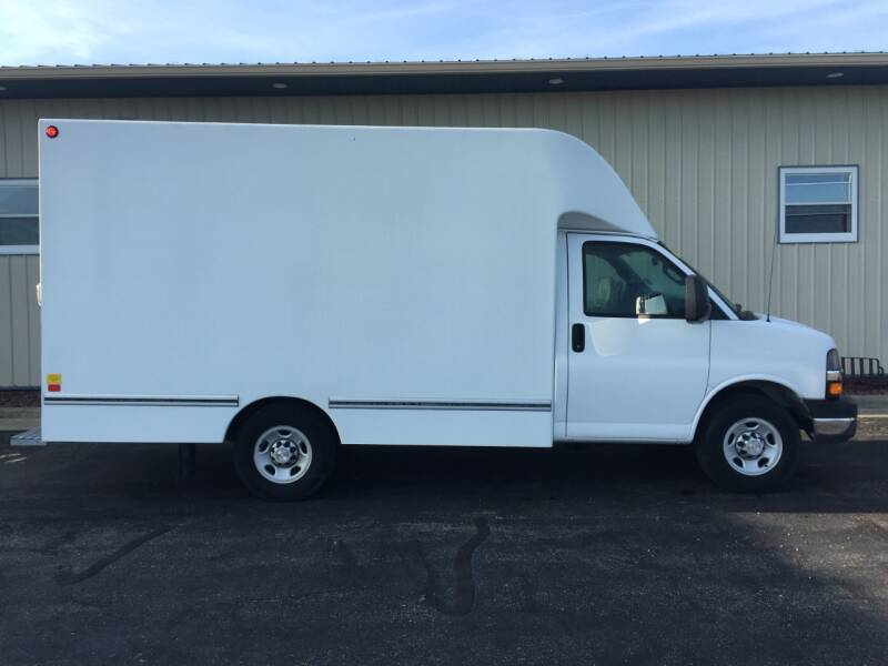 2016 Chevrolet Express Cutaway 3500 2dr 139 in. WB Cutaway Chassis w/1WT - Wisconsin Rapids WI