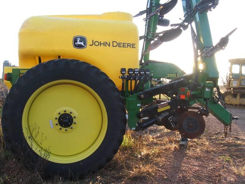 2014 John Deere 2510L  - Wisconsin Rapids WI