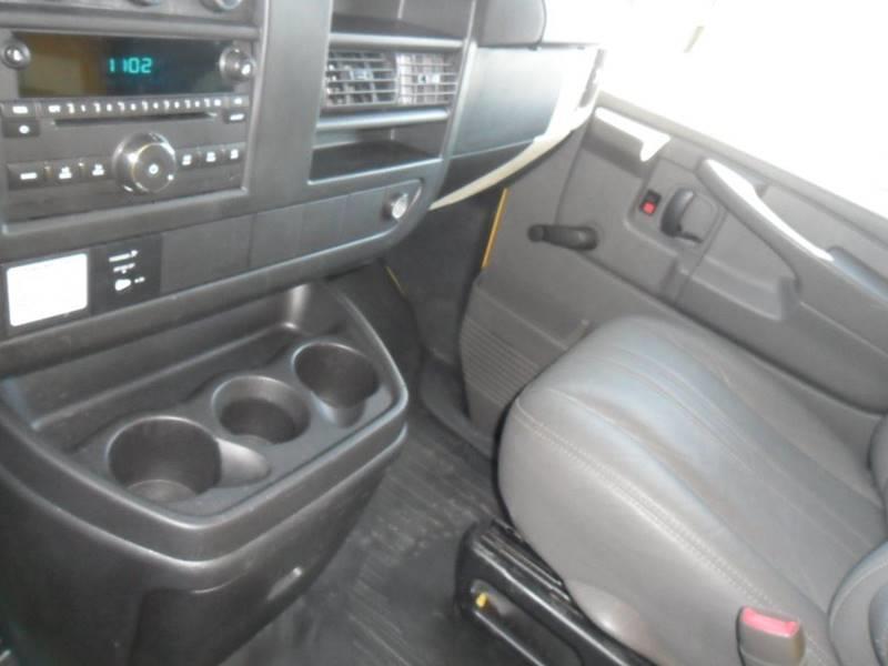2012 GMC Savana Cutaway 3500 2dr 139 in. WB Cutaway Chassis w/ 1WT - Wisconsin Rapids WI
