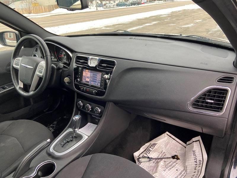 2012 Chrysler 200 Touring 4dr Sedan - Kenosha WI