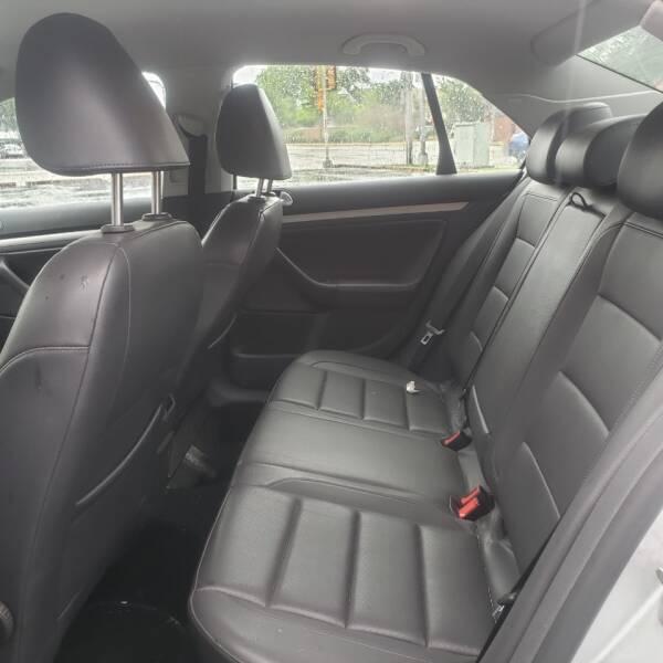2009 Volkswagen Jetta TDI 4dr Sedan 6A - Kenosha WI