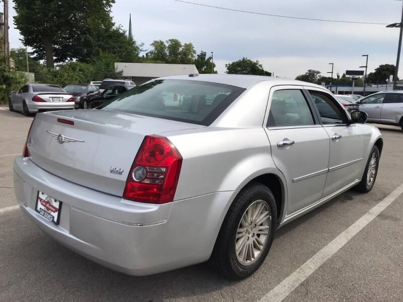 2010 Chrysler 300 Touring 4dr Sedan - Kenosha WI