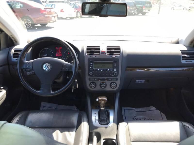 2005 Volkswagen Jetta 4dr New TDI Turbodiesel Sedan - Kenosha WI