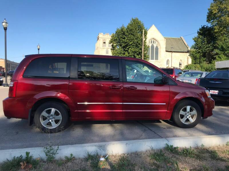 2008 Dodge Grand Caravan SXT Extended 4dr Mini-Van - Kenosha WI