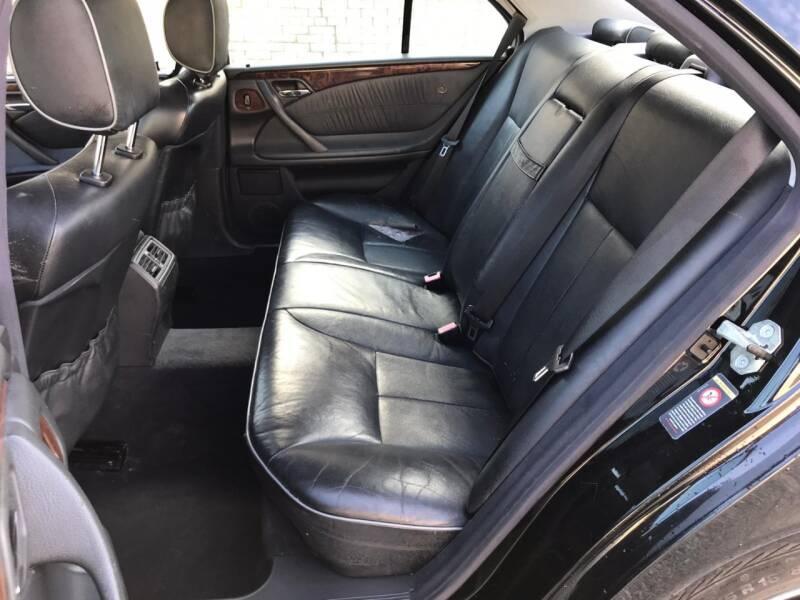 2001 Mercedes-Benz E-Class E 320 4dr Sedan - Kenosha WI