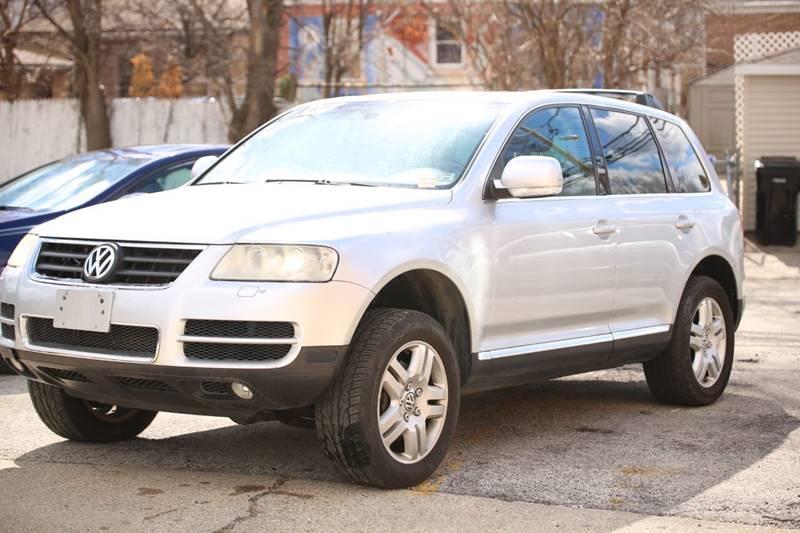 2005 Volkswagen Touareg AWD V8 4dr SUV - Evanston IL