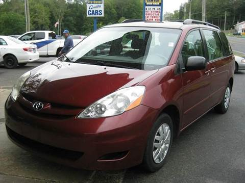 2006 Toyota Sienna for sale at Middlesex Auto Center in Middlefield CT