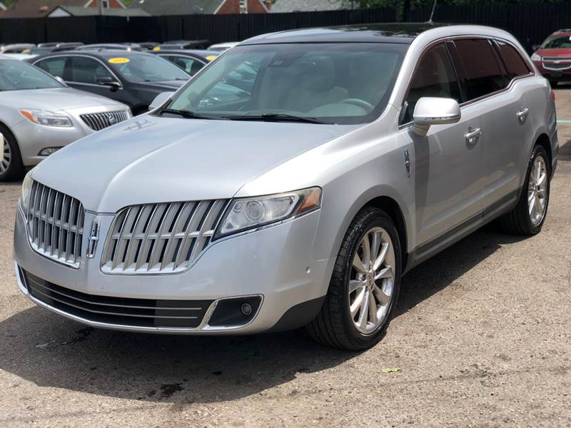 2010 Lincoln Mkt car for sale in Detroit