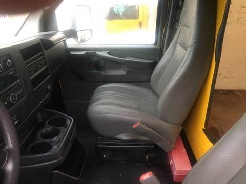 2010 GMC Savana Cutaway