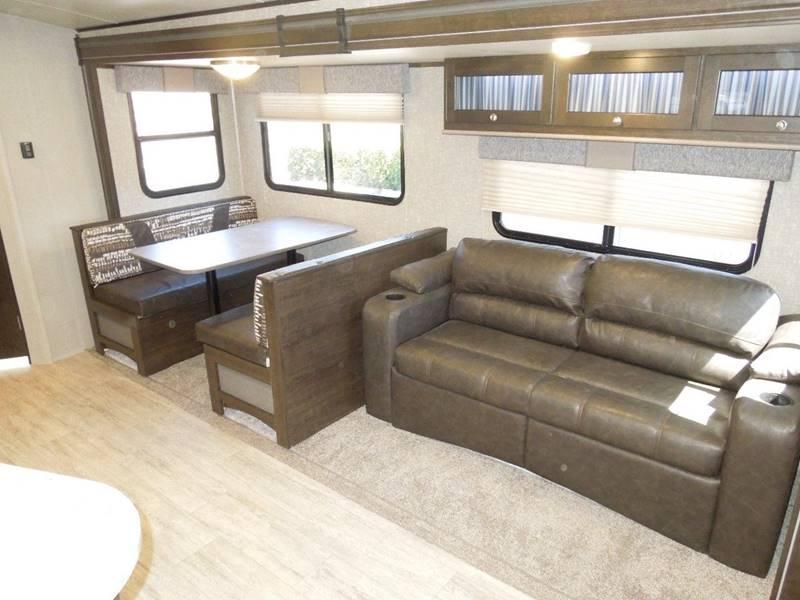 2018 Cruiser RV Shadow Cruiser 279 DBS  - Oxnard CA