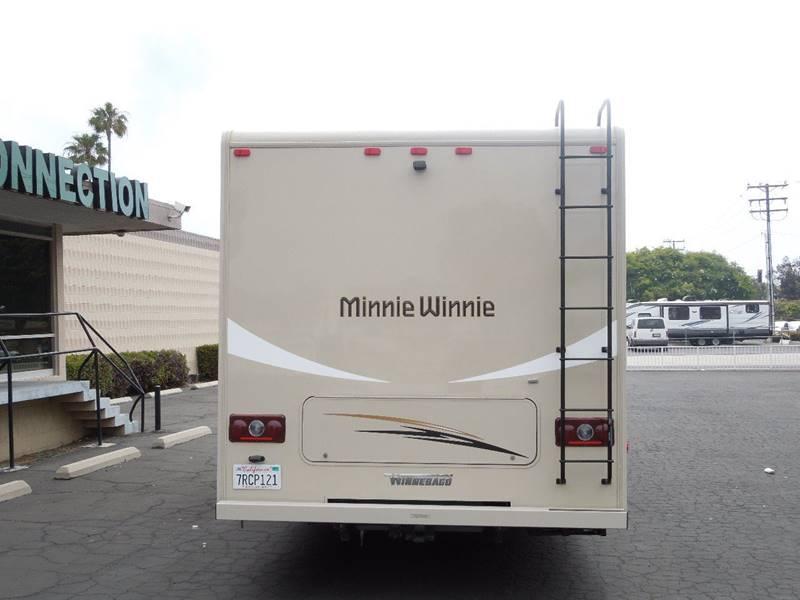 2017 Winnebago Minnie Winnie 27Q  - Oxnard CA