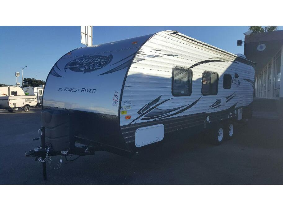 2016 Forest River SALEM CRUISE LITE T241QBXL - Oxnard CA