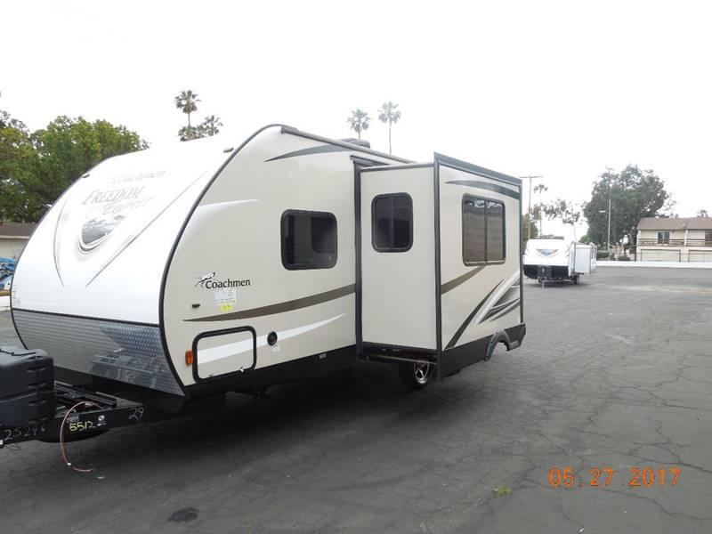 2017 Coachmen Freedom Express 229TBS - Oxnard CA