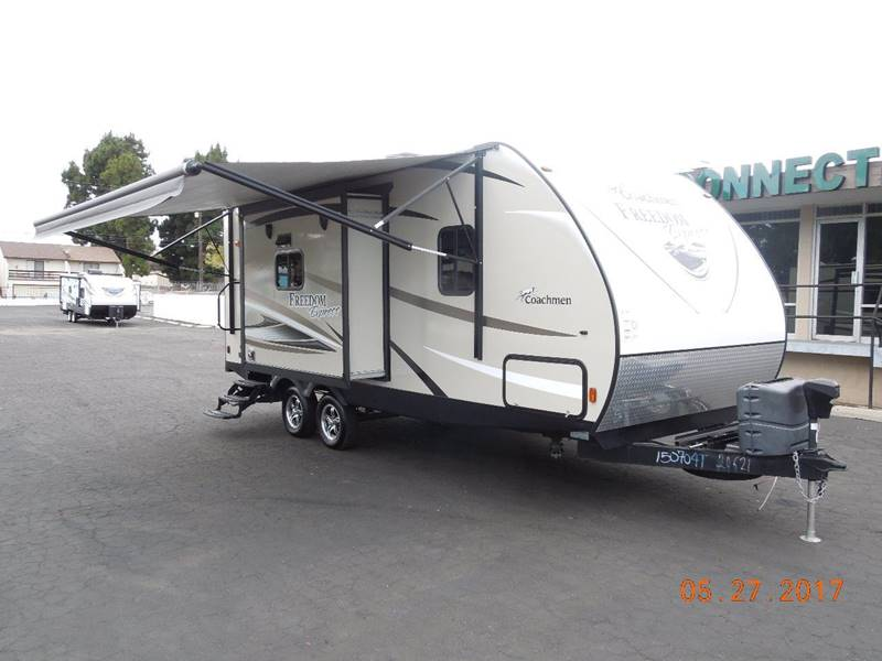 2017 Coachmen Freedom Express 257BHS  - Oxnard CA