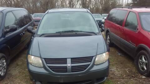 2005 Dodge Caravan for sale at New Start Motors LLC - Rockville in Rockville IN