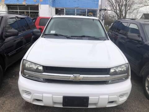2005 Chevrolet TrailBlazer LS for sale at New Start Motors LLC in Montezuma IN