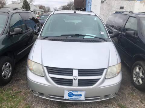 2005 Dodge Grand Caravan SXT for sale at New Start Motors LLC in Montezuma IN