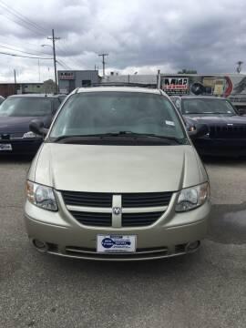 2005 Dodge Grand Caravan for sale at New Start Motors LLC - Crawfordsville in Crawfordsville IN