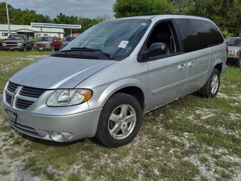 2005 Dodge Grand Caravan for sale at New Start Motors LLC - Rockville in Rockville IN