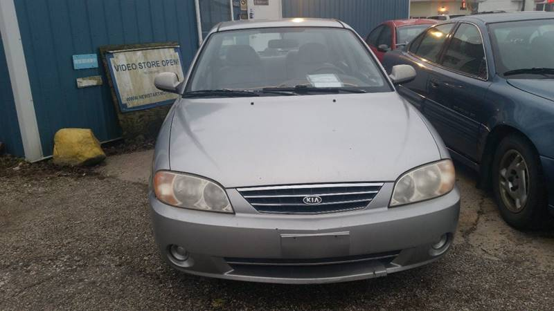 2003 Kia Spectra 4dr Sedan - Montezuma IN