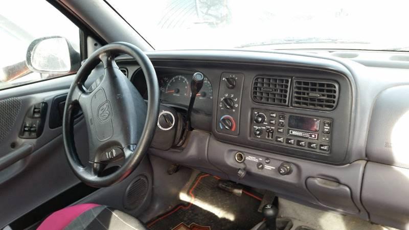 1999 Dodge Dakota 2dr Sport 4WD Extended Cab SB - Montezuma IN