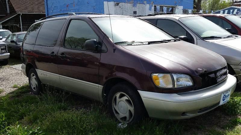 2000 Toyota Sienna 4dr XLE Mini-Van - Montezuma IN