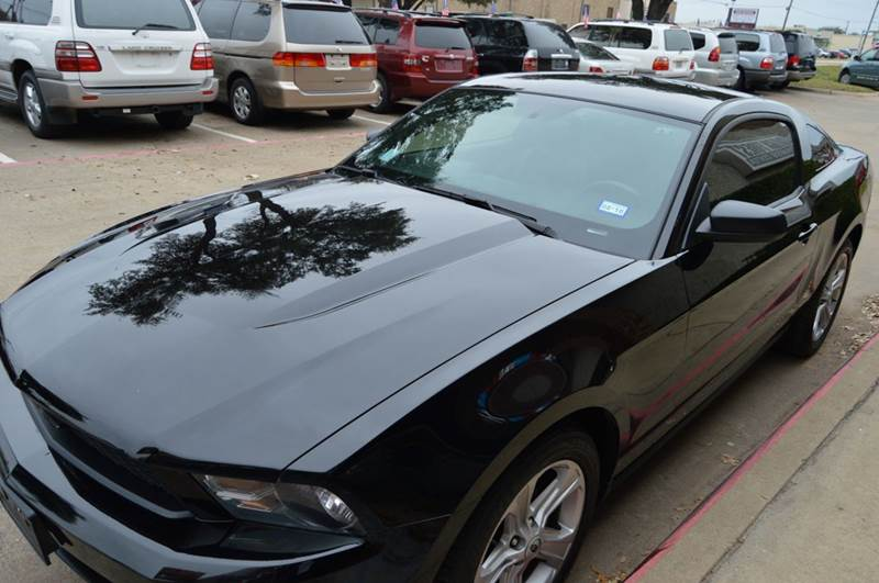 2010 ford mustang v6 2dr coupe in dallas tx e auto groups. Black Bedroom Furniture Sets. Home Design Ideas