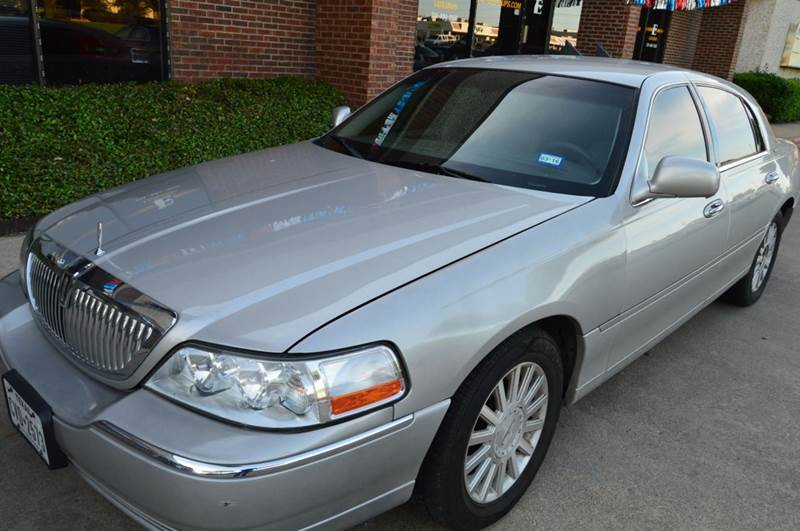 2004 Lincoln Town Car Signature 4dr Sedan In Dallas Tx E Auto Groups