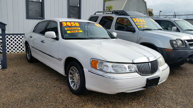 2000 Lincoln Town Car Signature 4dr Sedan In Kenner La Auto Nation Llc