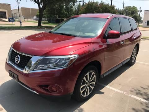 2014 Nissan Pathfinder for sale at Vitas Car Sales in Dallas TX