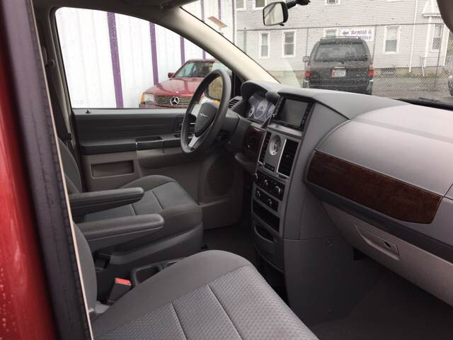 2010 Chrysler Town and Country LX 4dr Mini-Van w/25B - New Bedford MA