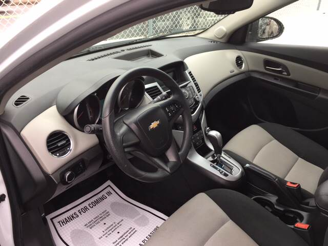 2012 Chevrolet Cruze LS 4dr Sedan - New Bedford MA