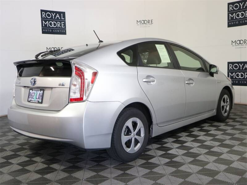 2015 Toyota Prius Two 4dr Hatchback - Hillsboro OR