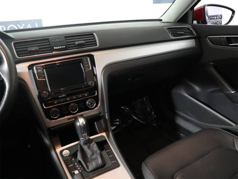 2019 Volkswagen Passat 2.0T Wolfsburg 4dr Sedan - Hillsboro OR