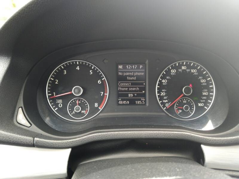 2013 Volkswagen Passat SE 4dr Sedan 6A w/ Sunroof - Mckinney TX