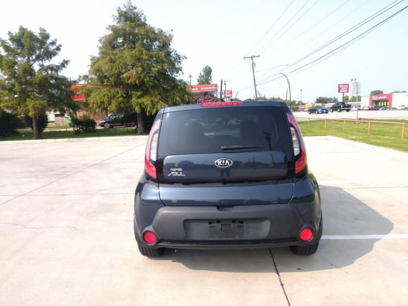 2015 Kia Soul + 4dr Crossover - Mckinney TX