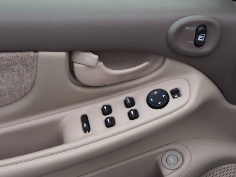 2004 Oldsmobile Alero GL1 4dr Sedan - Lindstrom MN