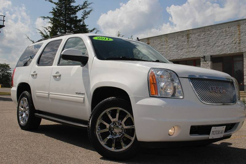 2017 GMC YUKON XL DENALI 4X4 4DR SUV white dual dvdlike new inside and out24in factory wheels